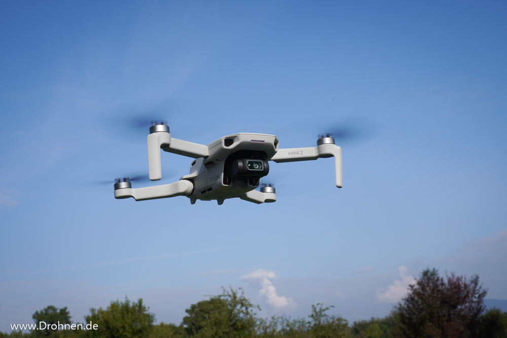 DJi Mavic MINI 2 - Drohne im Flug